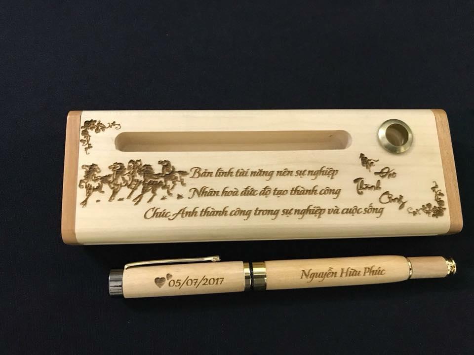 Hộp và bút bằng gỗ cực chất
